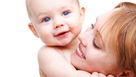 Мама и здоровый малыш