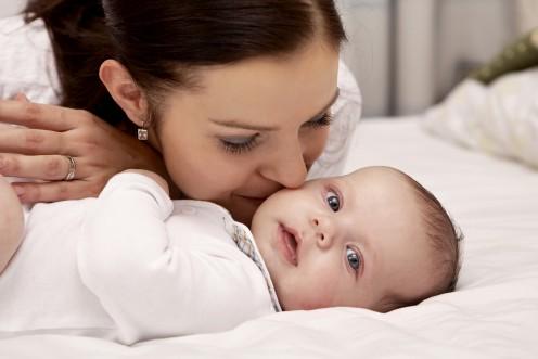 Ребенок и его мама